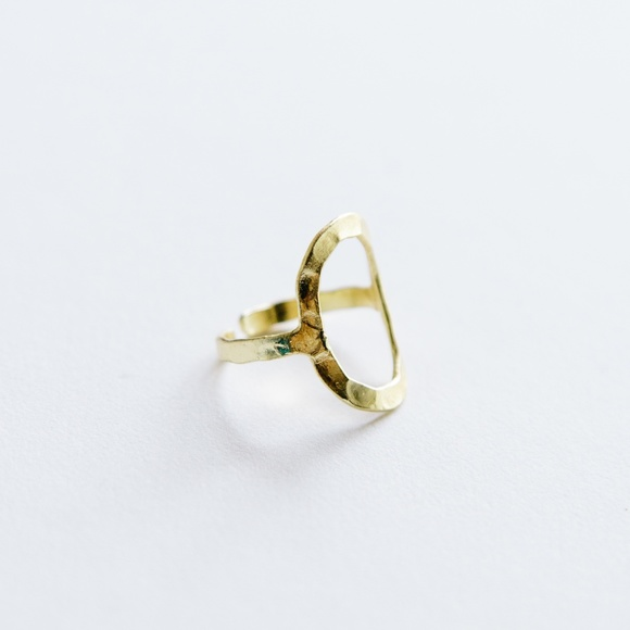 Mata Traders Jewelry - Hammered Oval Ring Gold